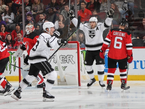 Tyler Toffoli scores twice in 3rd period, lifts Kings to 3rd win in 4 games