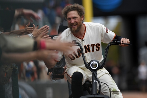 Hunter Pence finds a new baseball home, agrees to minor league deal