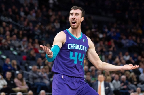 Hornets stand pat at trade deadline; may buy out Frank Kaminsky