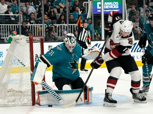 What's wrong with the Coyotes' power play and how can it be fixed?