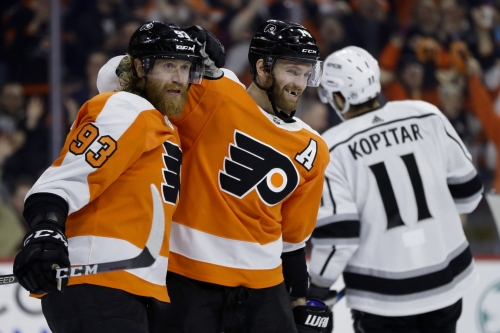 Toffoli leads Kings to shootout victory, ends Flyers' streak