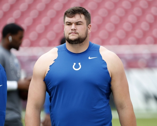 Colts guard Quenton Nelson shows off basketball skills with nifty pass