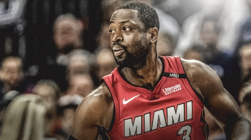 Heat SG Dwyane Wade returns to game vs. Kings after hitting his head on the court