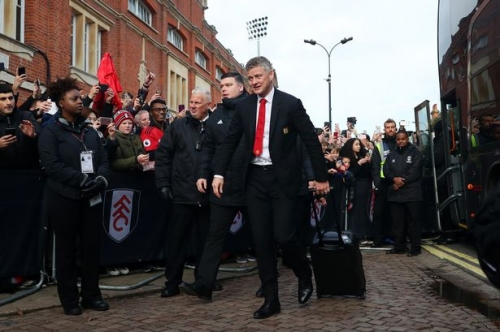 Manchester United line-up vs Fulham includes Anthony Martial, Chris Smalling and Phil Jones