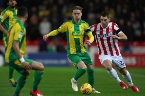 Stefan Johansen scouting report: How the Fulham man played on his West Brom debut