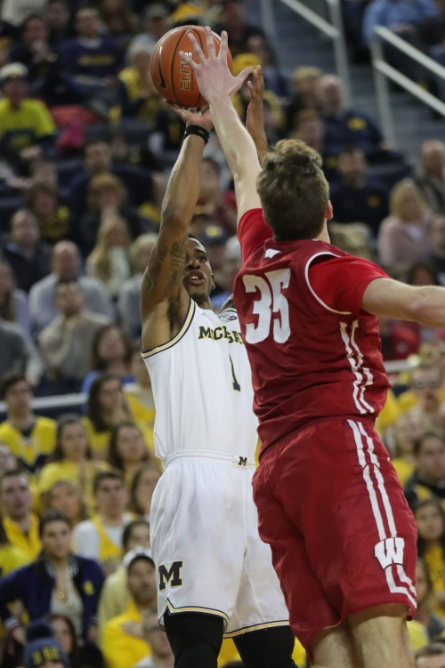 Michigan's Charles Matthews didn't know he was slumping, busts out anyway