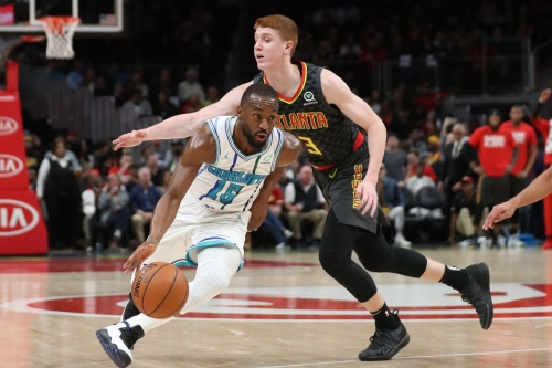 Slow defensive start, rough third quarter scuttle Hawks' comeback bid in loss to Hornets