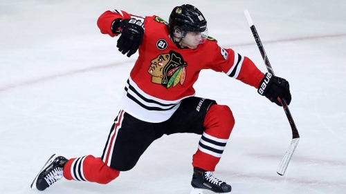 Blackhawks beat Red Wings for seventh straight win