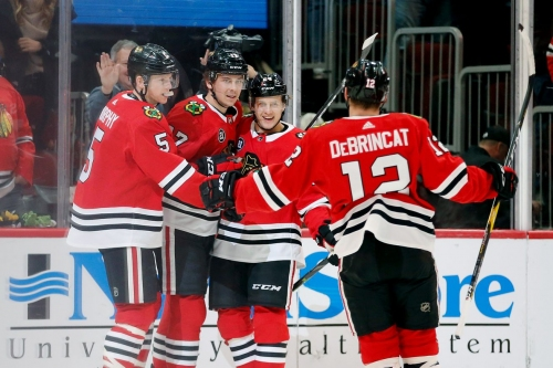 Blackhawks win their 7th in a row 5-2 over the Red Wings