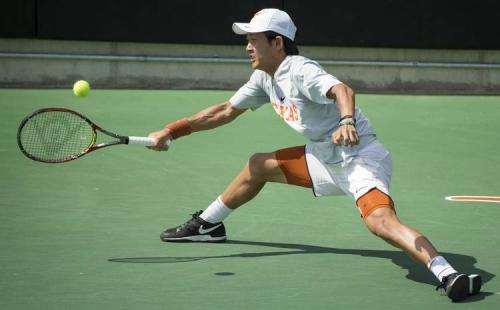 Men's tennis team hammers Arkansas