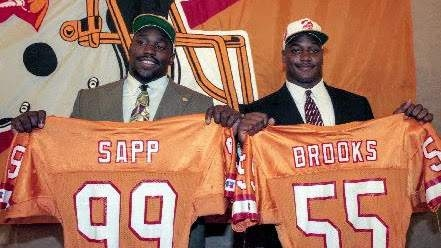 NFL Mock Draft Monday: A lesson from the Buccaneers' 1995 draft