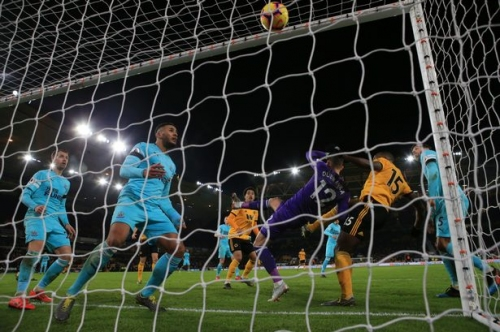 'You fat b******' and late fury - Things you missed from Wolves 1-1 Newcastle United