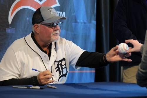 Detroit Tigers look mostly unchanged entering spring training