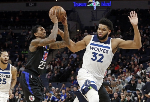 Lou Williams scores 45 for Clippers, but they lose trip finale to Timberwolves