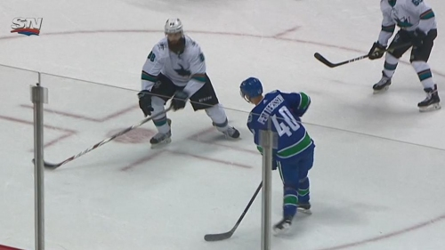 Canucks' Pettersson shows off patience, vision with assist on Horvat goal