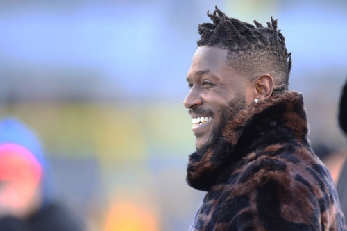 Antonio Brown officially requests trade from Steelers and Raiders have the draft capital to trade for him. Let the games begin