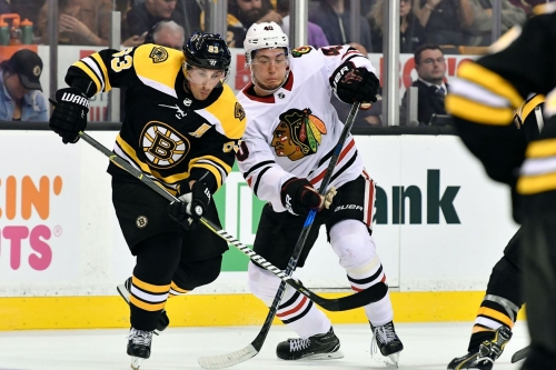 Blackhawks look to keep win streak alive vs. Bruins