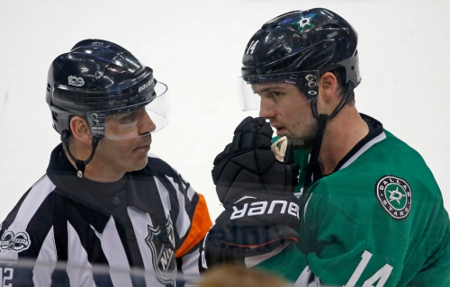 Watch: Jamie Benn eats clothesline from NHL linesman during first period of Stars-Panthers