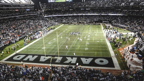 Raiders having 'meaningful and productive' talks to return to Oakland for 2019 season