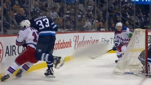 Jets' Byfuglien forces Fast to leave game with elbow to head