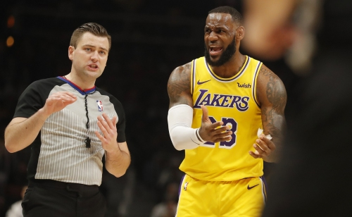 Lakers suffer ugly road loss to Hawks, sink below .500 going into All-Star break