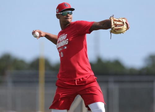 No longer marooned on rehab, Cardinals rookie Reyes takes the mound on Day 1