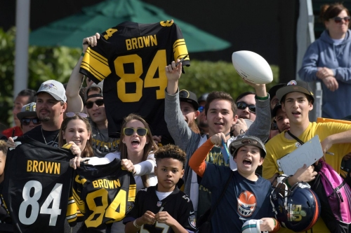 Local Pittsburgh radio station tells fans to not burn Antonio Brown jerseys, but to donate them