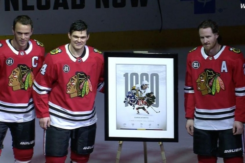 Watch: Blackhawks honor Chris Kunitz's 1,000th game in pregame ceremony