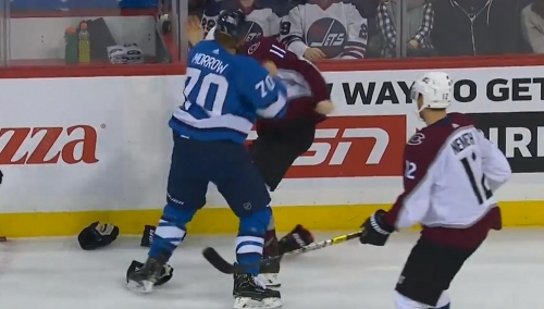 Jets' Morrow & Avalanche's Calvert exchange quick strikes at end of game
