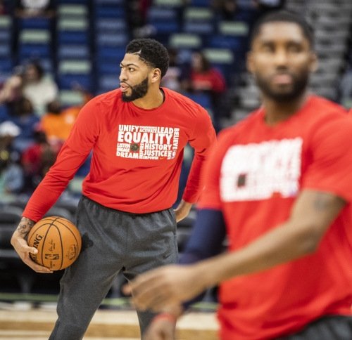 Report: Anthony Davis suffered 'contusion' in Pelicans win, heads to Charlotte for All-Star game