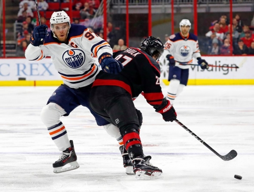 Sinking Oilers drop 3rd straight with loss to Hurricanes