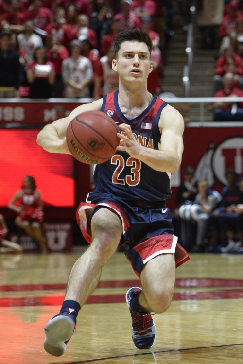 As season goes south, Arizona Wildcats' Alex Barcello showing his grit