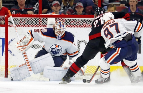 NHL: Niederreiter scores 2 as Hurricanes beat Oilers