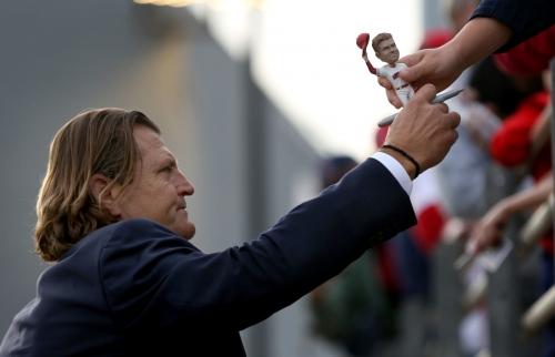 Arizona Wildcats win opener as 'humbled' Trevor Hoffman has jersey retired