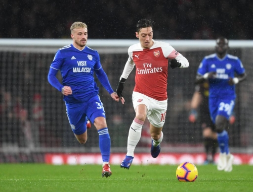 Paul Merson questions Arsenal over Mesut Ozil: 'Are they forcing him into retirement?'