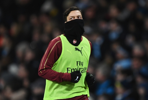 Mixed Mesut Ozil messages and the mistakes Arsenal manager Unai Emery keeps making