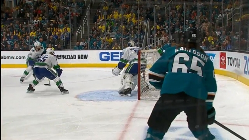 Erik Karlsson's one-touch pass results in Sharks' goal