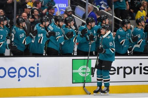 Canucks 3, Sharks 2: Karlsson returns in victory over Vancouver