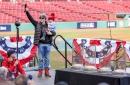 Daily Red Sox Links: Brock Holt, Steven Wright, Darwinzon Hernandez