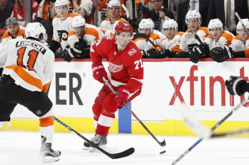 Flyers drop Red Wings 3-1 on Hockey Day in America