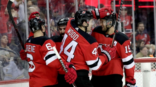 Schneider makes 34 saves, wins again as Devils beat Sabres