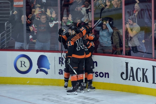 Flyers stay hot, down Red Wings again to complete home-and-home sweep