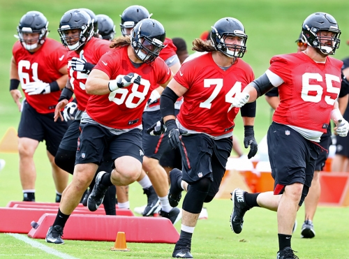 Falcons sign Sambrailo to three-year extension