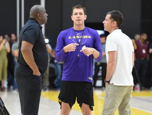 Lakers News: Luke Walton Deems Talks With Magic Johnson, Rob Pelinka 'Great'