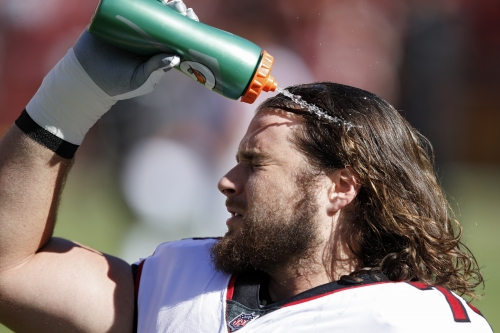 Ty Sambrailo signs 3-year extension with Atlanta Falcons