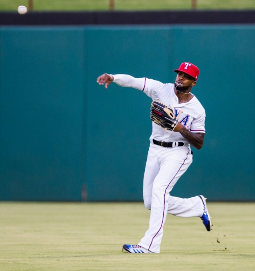 How long of a leash should Rangers' Delino DeShields have at center field?