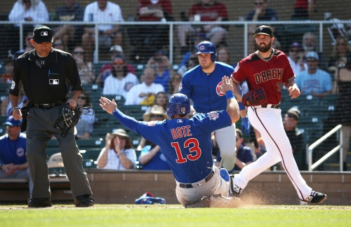 D-Backs' Greg Holland roughed up by Cubs in debut