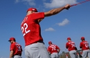Unable to reach agreements, Cardinals renew contracts for Hicks, Flaherty