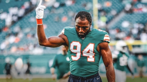 RUMOR: Dolphins willing to pay part of Robert Quinn's contract to trade him