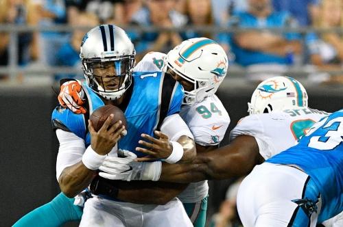 Dallas Cowboys reportedly in trade talks with Miami Dolphins for DE Robert Quinn